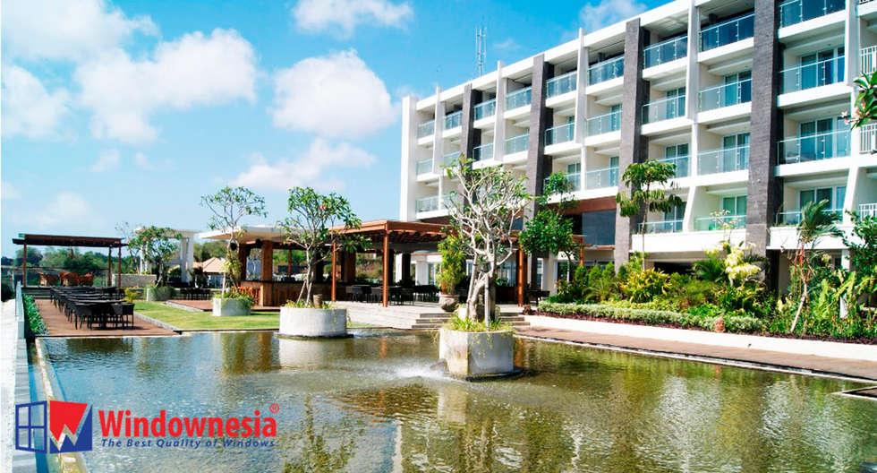 Pintu Geser UPVC - Balkon:  Hotels by PT. Podomoro Windownesia