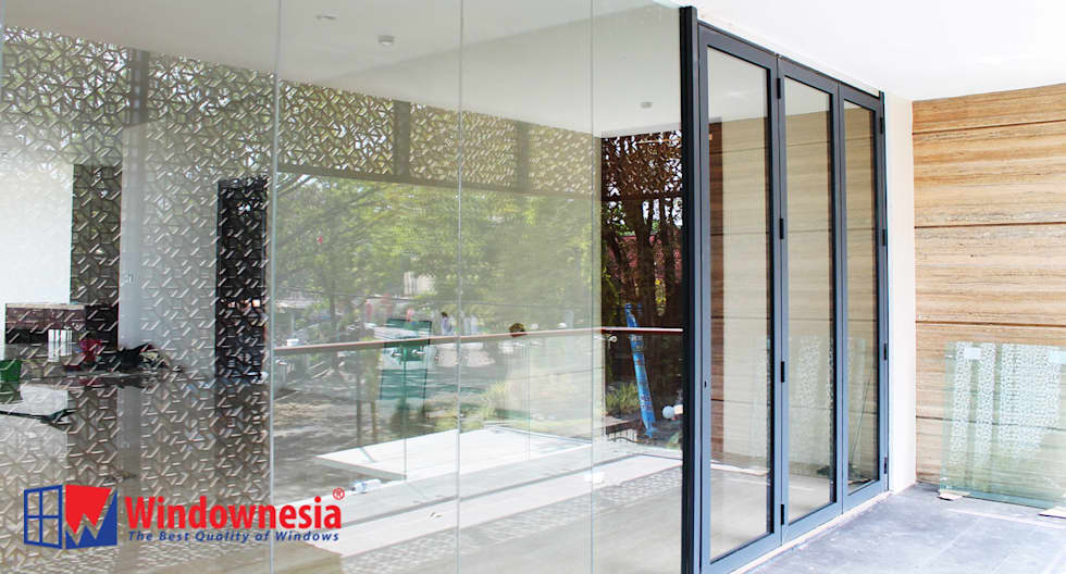 Pintu Lipat Alumium - Sand Dark Gray:  pintu kaca by PT. Podomoro Windownesia