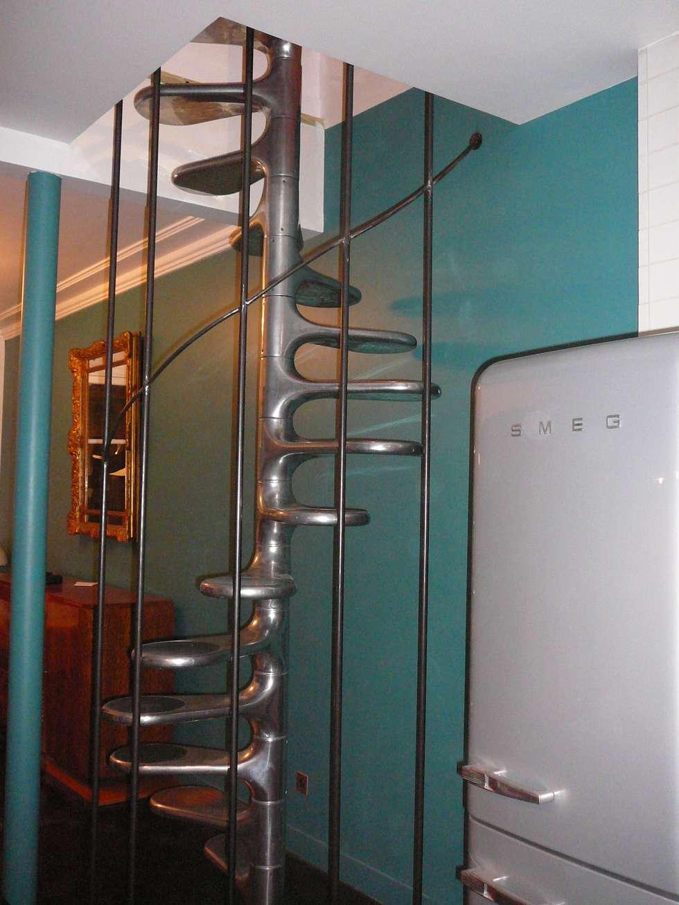 sécurisation d'un escalier Tallon: Escalier de style  par ATELIER MACHLINE