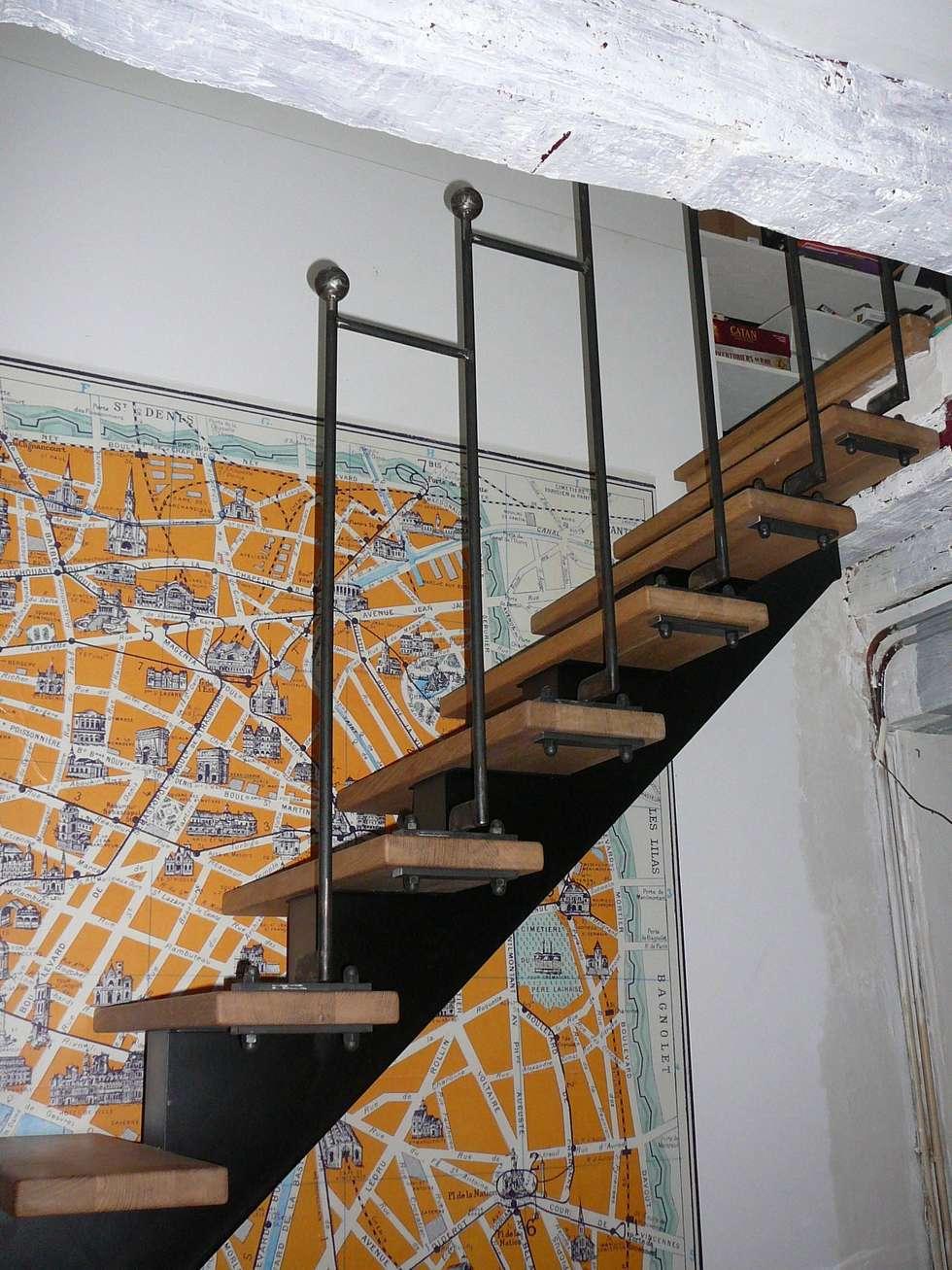 rampe d'escalier en acier Paris: Escalier de style  par ATELIER MACHLINE