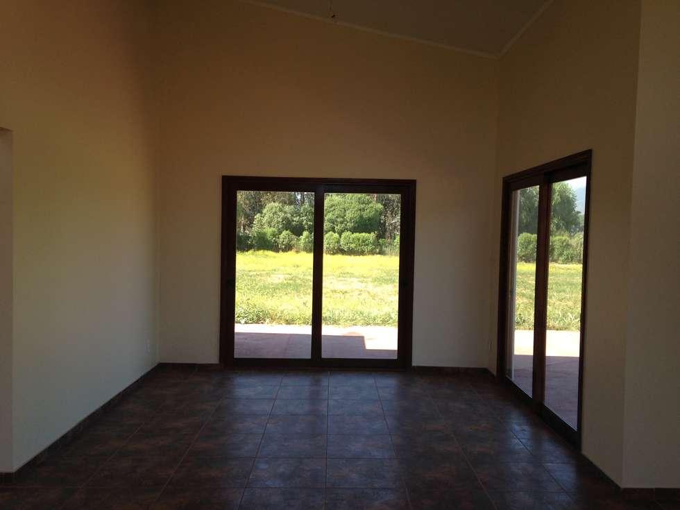Casa siding Isla de Maipo: Comedores de estilo mediterraneo por AG Gestión