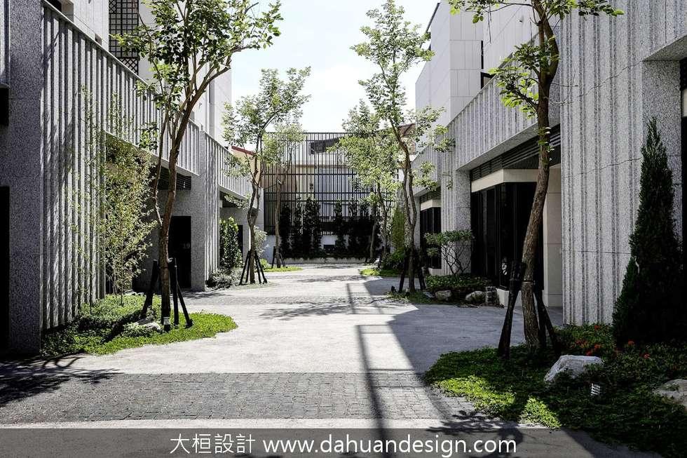 大桓建築設計   台中   藏峰:  房子 by 大桓設計顧問有限公司
