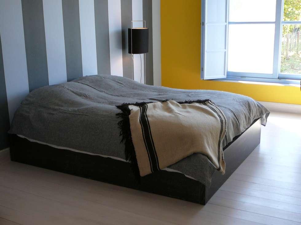 DORMITOIRO DEL VARON: Dormitorios de estilo rústico por Estudio Dillon Terzaghi Arquitectura