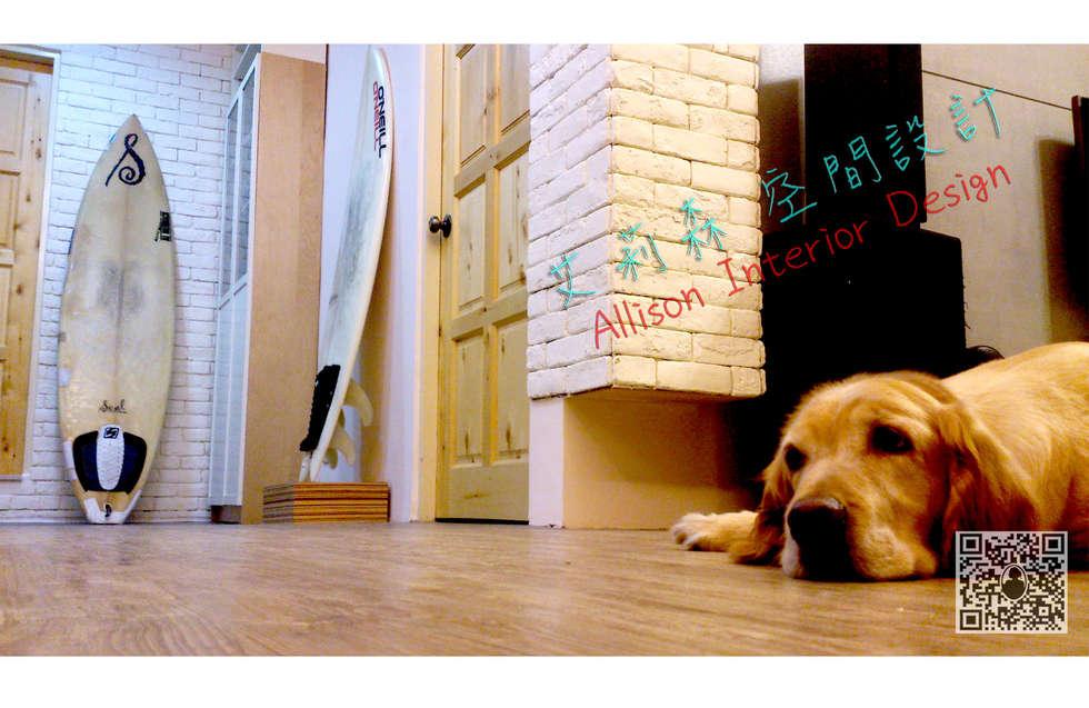 黃金獵犬-晶晶 :  走廊 & 玄關 by 艾莉森 空間設計