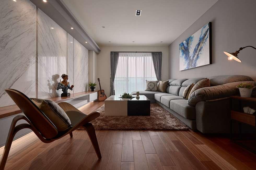 旅行的意義... ?:  客廳 by 趙玲室內設計