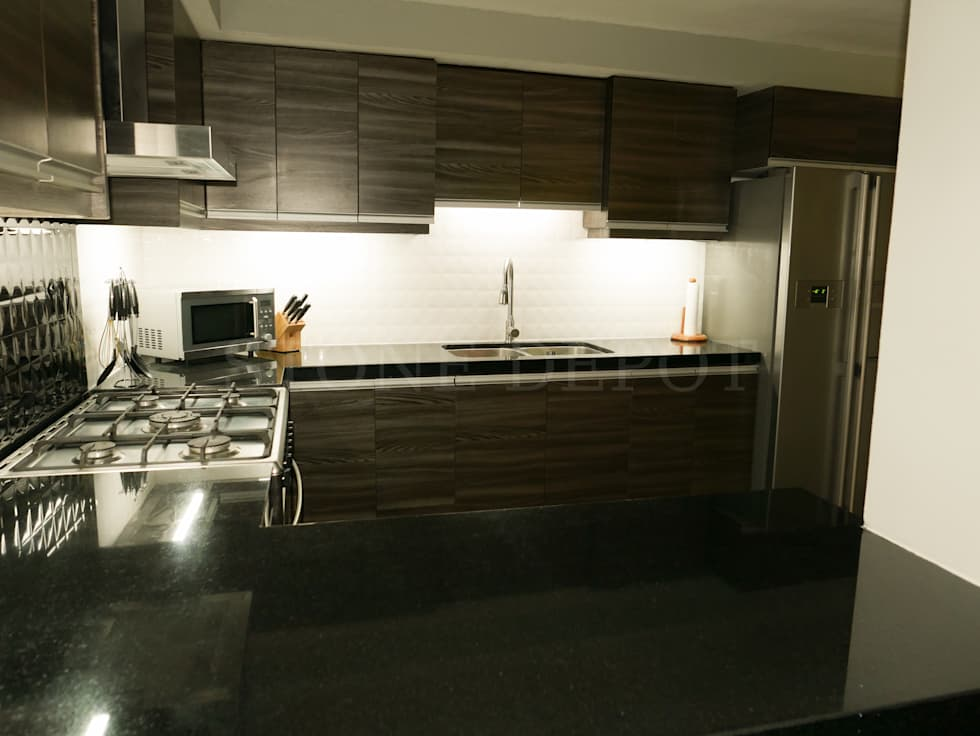 Absolute Black Granite Kitchen Countertop in Mandaue City: modern Kitchen by Stone Depot