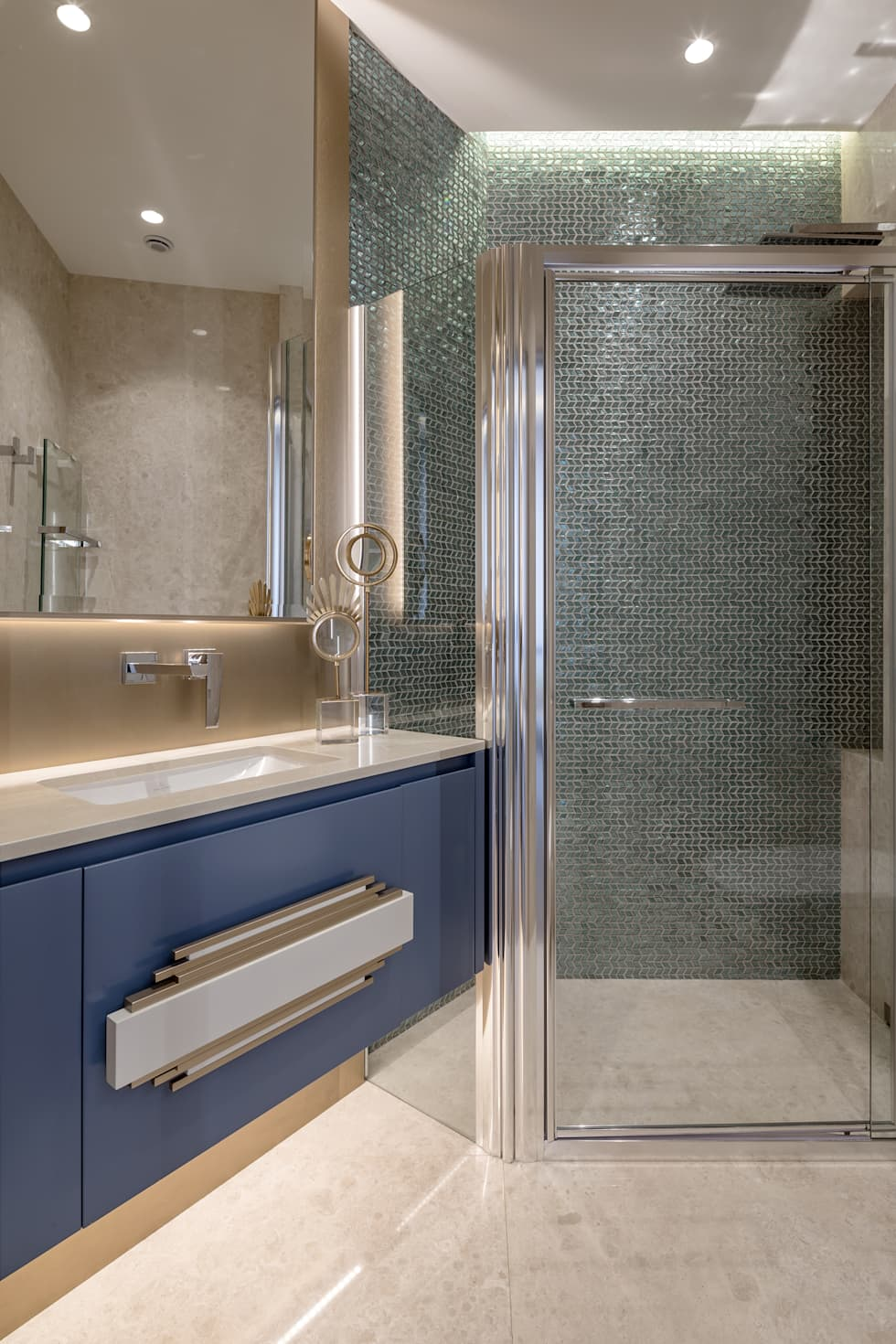 classic Bathroom by NG-STUDIO Interior Design