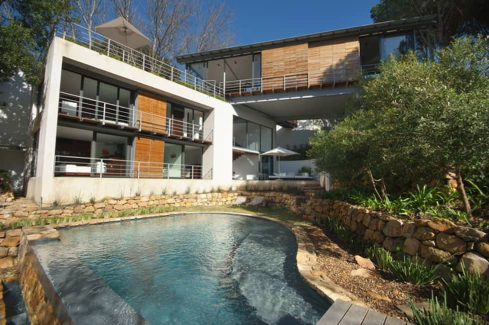 Garden & Pool:  Single family home by Van der Merwe Miszewski Architects
