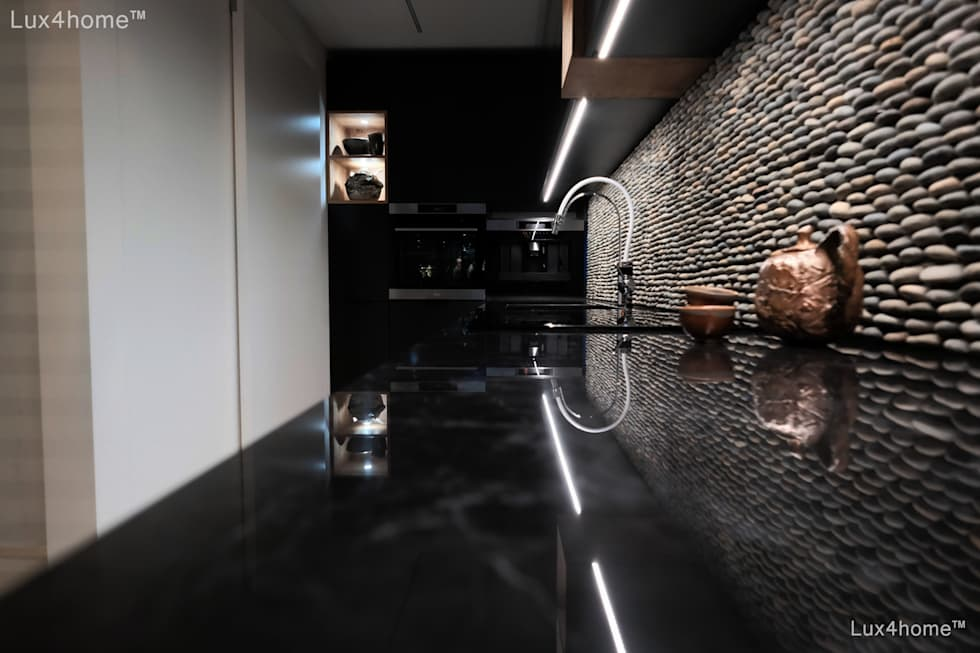 Built-in kitchens by Lux4home™ Indonesia