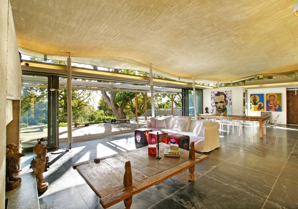 Living & Dining Room: modern Living room by Van der Merwe Miszewski Architects