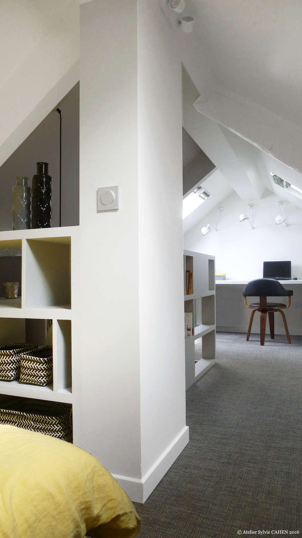 Avenue de Choisy: Bureau de style de style Moderne par Atelier Sylvie Cahen