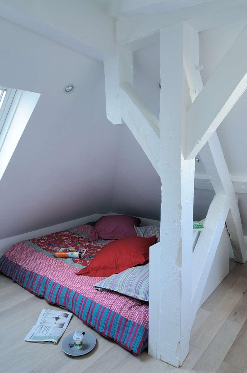 Rue des Canettes: Chambre de style de style Moderne par Atelier Sylvie Cahen