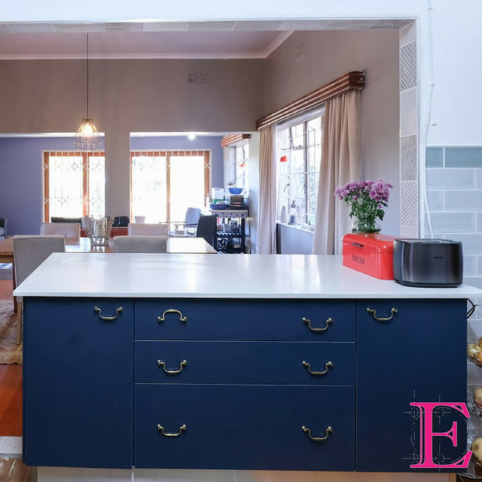 Mrs Strauss-Morris Kitchen Project:  Built-in kitchens by Ergo Designer Kitchens and Cabinetry