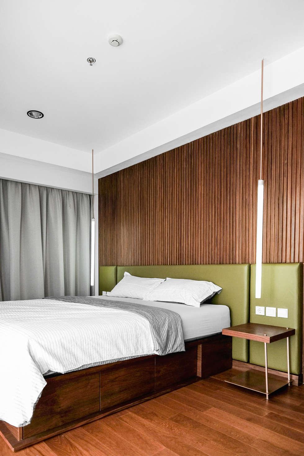 Guest Bedroom:  Kamar Tidur by FIANO INTERIOR