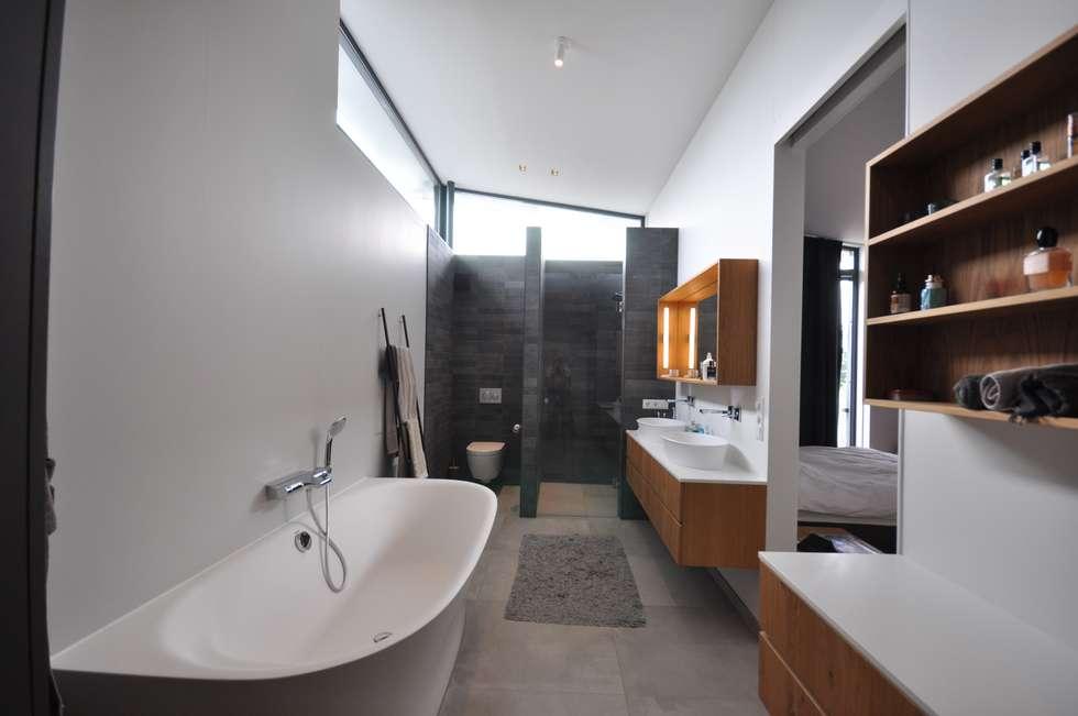 Design Badkamer Rotterdam : Villa rotterdam: moderne badkamer door bongers architecten homify