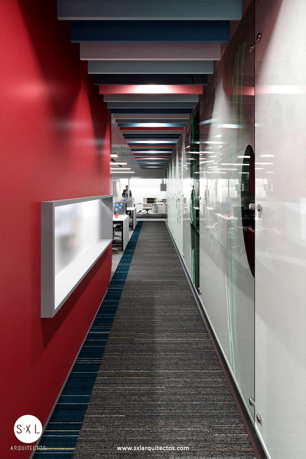 Corredor de acceso: Oficinas de estilo moderno por SXL ARQUITECTOS