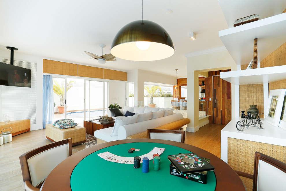 Livings de estilo topical por Mayra Lopes Arquitetura | Interiores