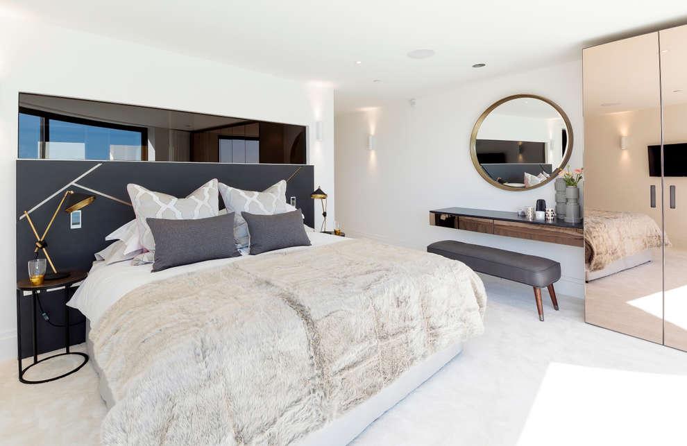 Dormitorios de estilo moderno por WN Interiors of Poole in Dorset