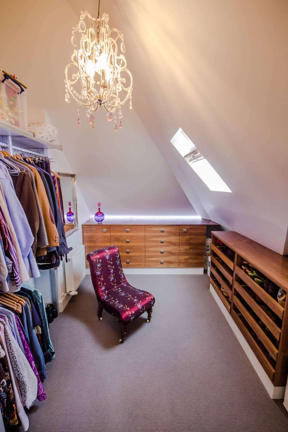 13 Closets Ideais Para Quem Tem Casas Pequenas ~ Quarto Integrado Com Banheiro E Modelo De Quarto De Casal