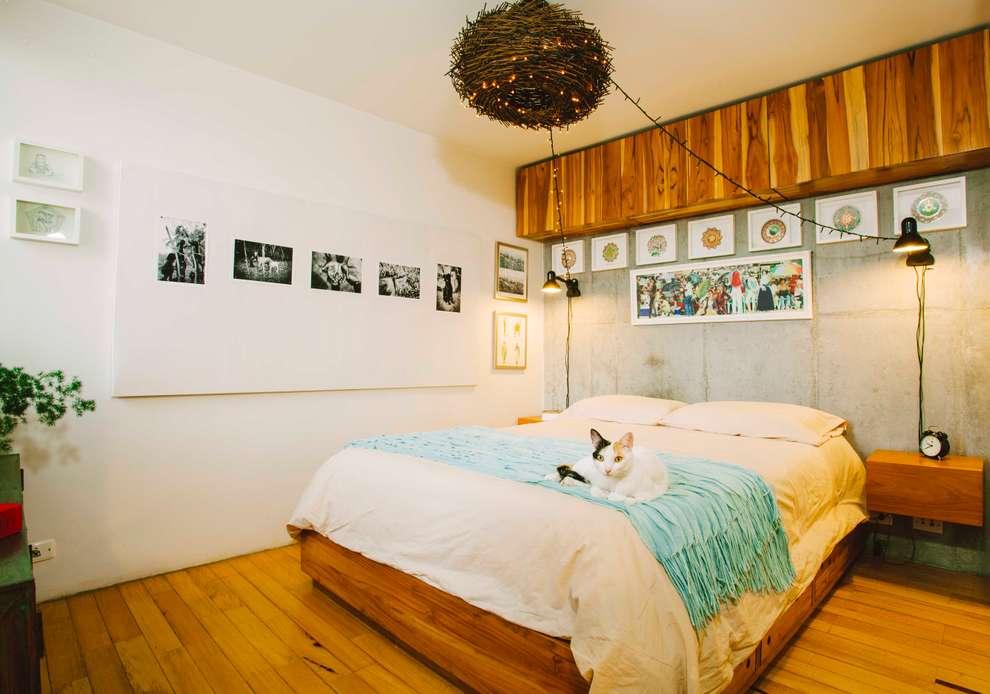 Dormitorios de estilo industrial por CASA CALDA
