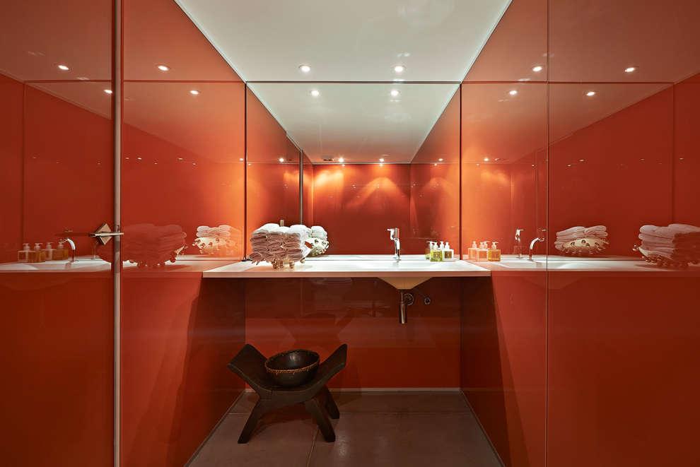 Lavabo: Banheiros minimalistas por Piratininga Arquitetos Associados