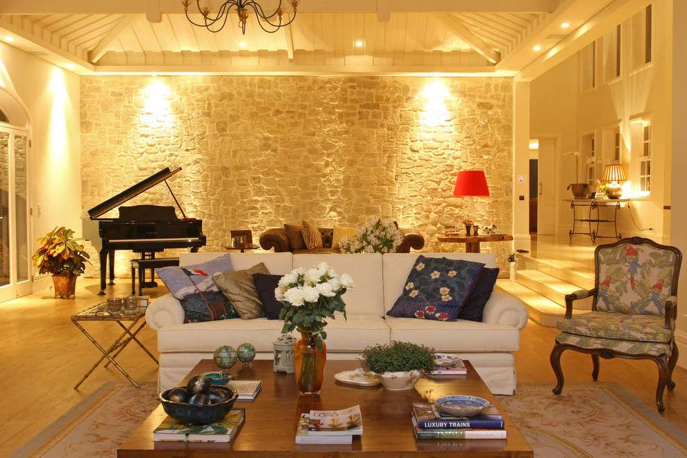Living: Sala de estar  por Célia Orlandi por Ato em Arte