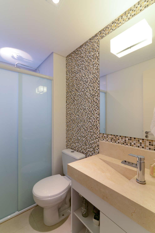 Projeto Bairro do Juventus - Mooca: Banheiros modernos por RAFAEL SARDINHA ARQUITETURA E INTERIORES