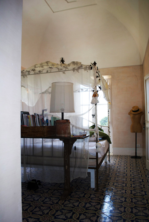 homify Mediterranean style bedroom