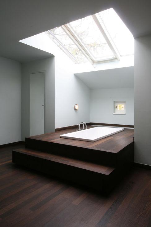 CG VOGEL ARCHITEKTEN Classic style bathroom
