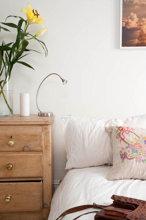 Falkirk St MDSX Contractors Ltd Industrial style bedroom