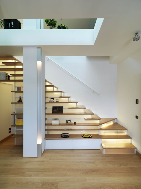 enzoferrara architetti Modern corridor, hallway & stairs