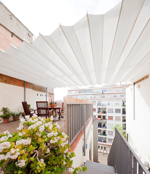 Anna & Eugeni Bach Balcony, veranda & terrace