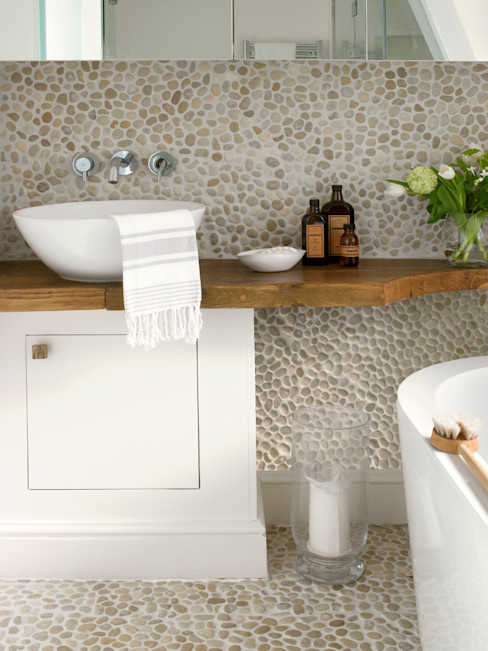 homify Eclectic style bathrooms