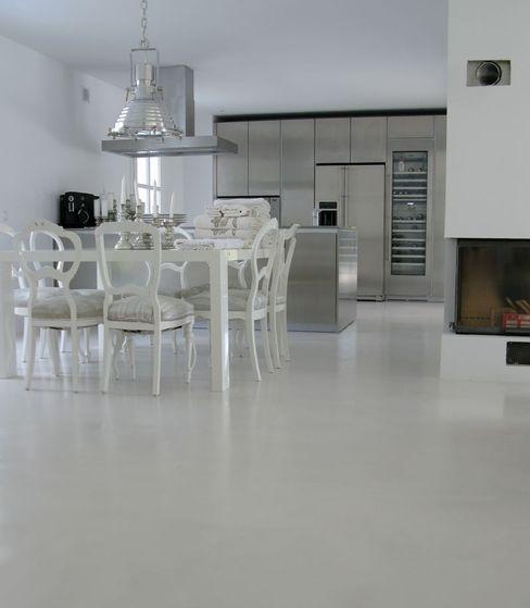 Savamea   edel - mineralisch - fugenlos Modern Dining Room