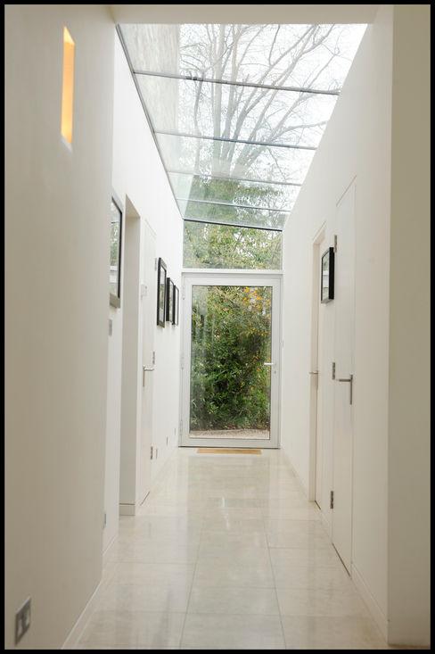 Dick Place - glazed corridor ZONE Architects Modern kitchen