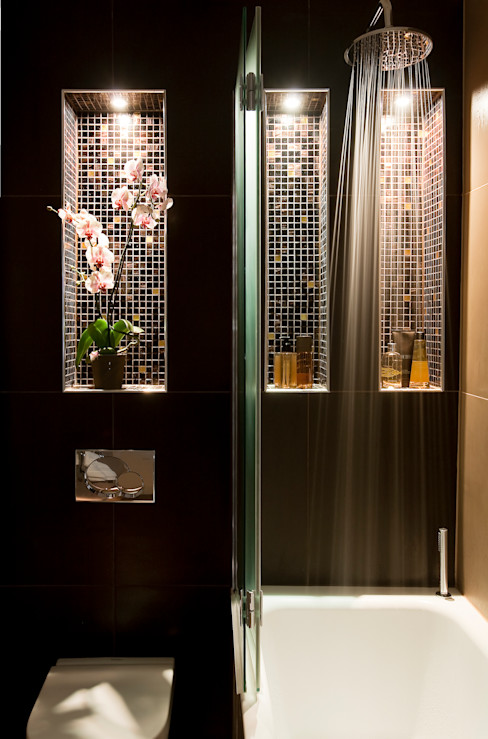 A sexy, atmospheric ensuite Matteo Bianchi Studio Eclectic style bathroom