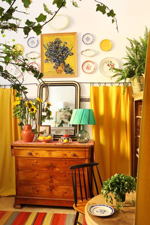 Apartamento en La Latina, Madrid Casa Josephine Salones de estilo mediterráneo