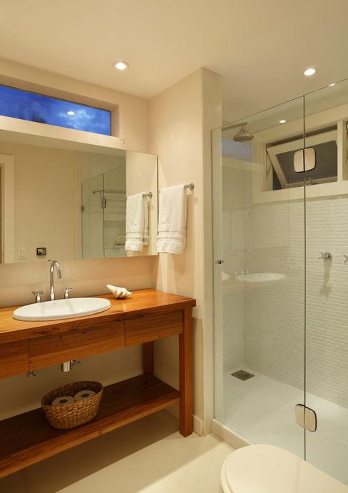 Escala Arquitetura Country style bathroom