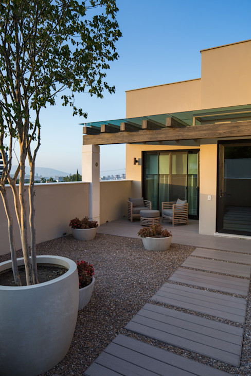 Rousseau Arquitectos Balcone, Veranda & Terrazza in stile moderno