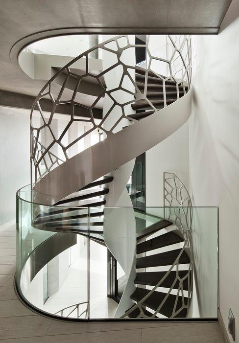 TransParancy by EeStairs® - Glass balustrades EeStairs | Stairs and balustrades Vestíbulos, pasillos y escalerasEscaleras