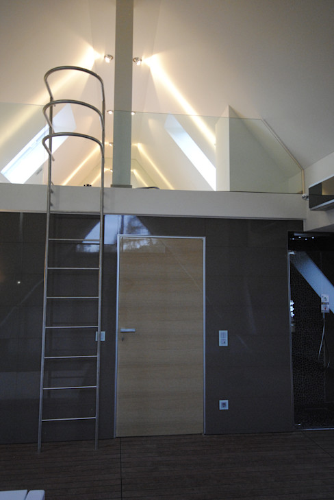Structural glass stairs for residential project Siller Treppen/Stairs/Scale 樓梯 玻璃 Transparent