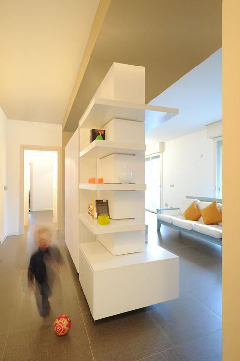 GRAZIANI & DICEMBRINO Pasillos, vestíbulos y escaleras minimalistas