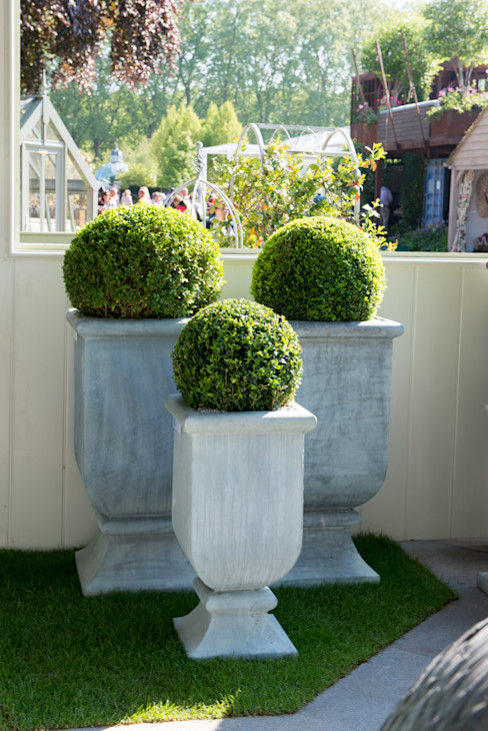 Roma Planters A Place In The Garden Ltd. Garden Plant pots & vases