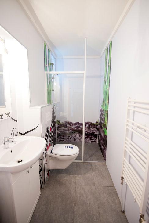 Bodengleiche Duschkabine mit dreiseitiger Duschrückwand Schön und Wieder BadezimmerDekoration