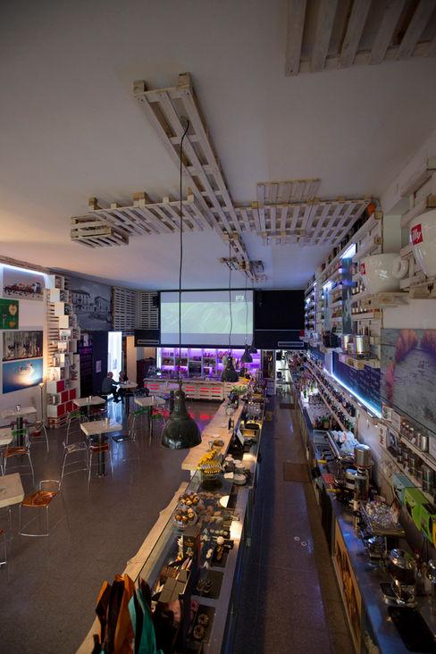 Ambiente principale BRENSO Architecture & Design Gastronomia in stile eclettico