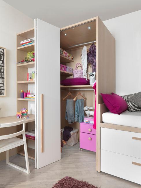 Begehbarer Kleiderschrank mit Falttür MOBIMIO - Räume für Kinder Moderne Kinderzimmer