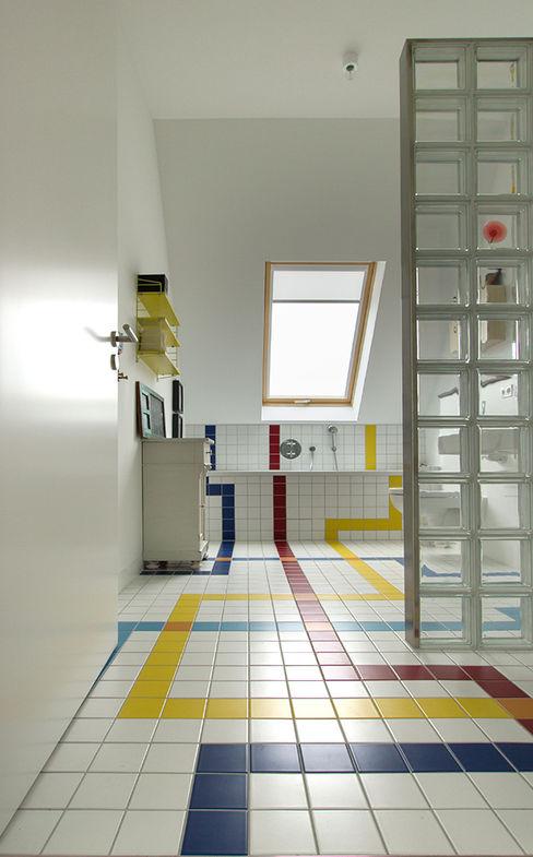 Berlin Interior Design Casas de banho ecléticas