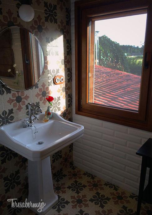 El baño de Víctor Diseñadora de Interiores, Decoradora y Home Stager Baños de estilo rústico