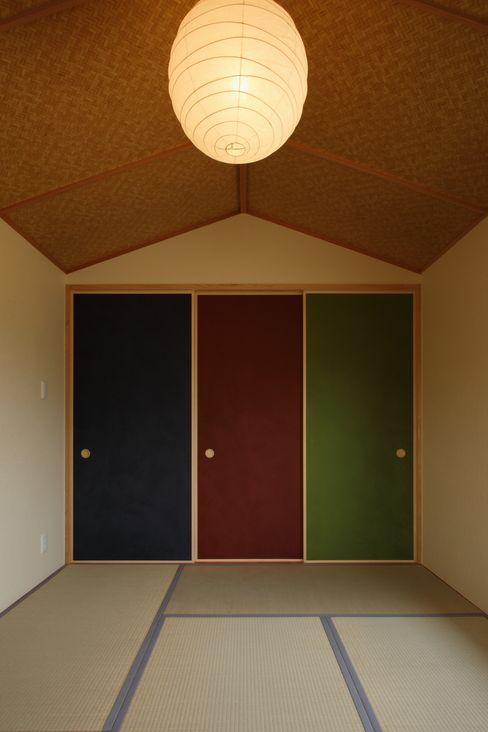 辻建築設計室 Dinding & Lantai Gaya Asia