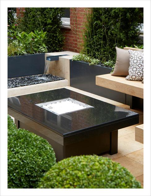 Knightsbridge Roof Terrace - Aralia Garden Design Aralia Commercial Spaces Stone Black
